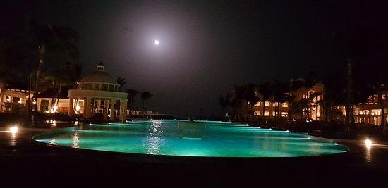 Iberostar Grand Paraiso: Fool Moon