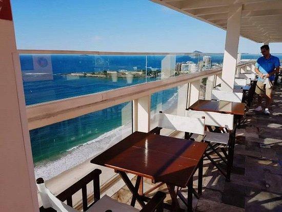 Rio Othon Palace Hotel: Foto do terraço, onde fica a piscina e onde acontecem as festas.