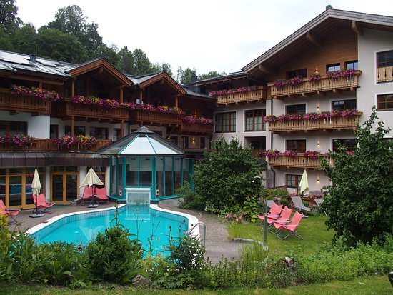 Entrance Picture Of Hotel Stadt Wien Zell Am See Tripadvisor