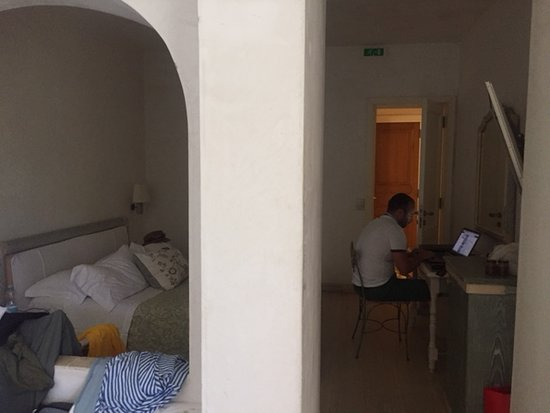 Hotel Villa Portuso: No window in the room