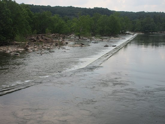 Maryland: Up stream of the Potomac river