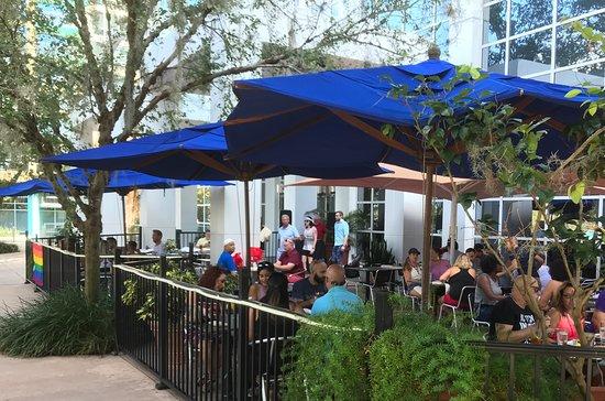 310 Lakeside: Patio Dining