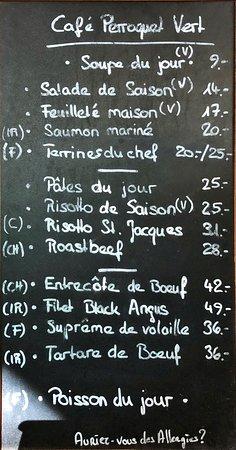 Restaurant Perroquet Vert : Sympathisch: Menukarte auf Tafel, natürlich jedes Mal mit anregender persönlicher Präsentation