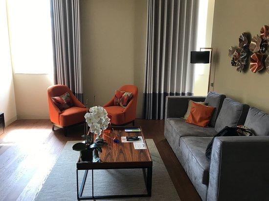Joli salon - Picture of Lisbon Five Stars Apartments 8 Building ...