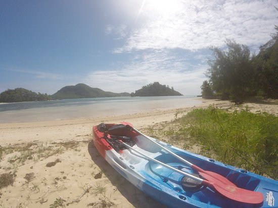 Cerf Tropical Sanctuary: kayak of the hotel