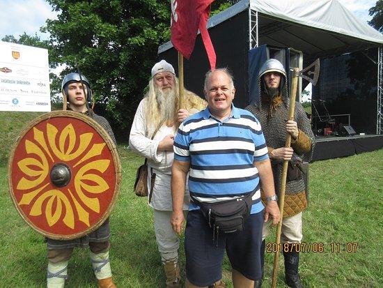 Kernave, Litauen: It's easy to make friends