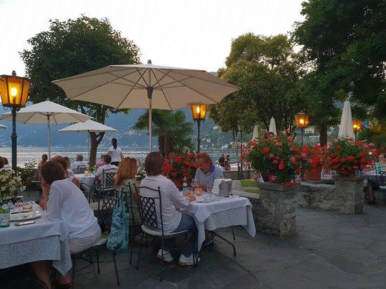 Ristorante Al Lago - Romantik Hotel Castello-Seeschloss Photo