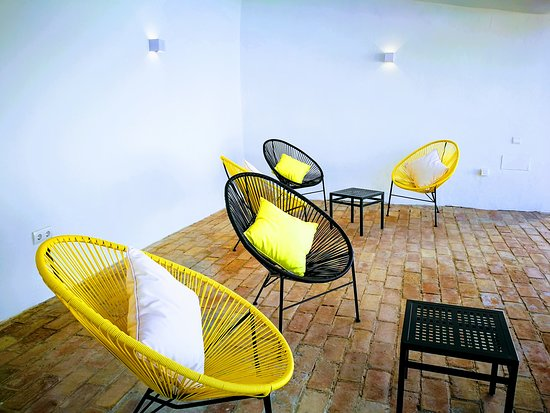Hotel Ronda Moments: Patio Lounge