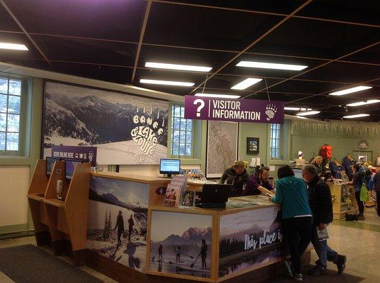 Banff Visitor Centre: Banff Visitor center