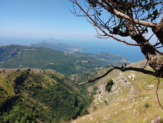 Villaggio Monte Faito, Italie : veduta costiera sorrentina