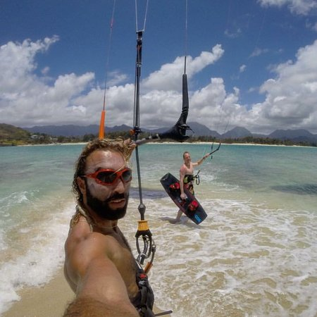 Mililani, HI: Lets go kiting! I offer beginner, intermediate and advanced lessons. Twin tip, wave riding and h