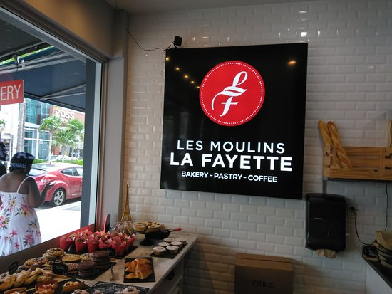 Les Moulins La Fayette: sign