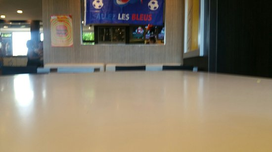 Pleurtuit, Γαλλία: McDonald's