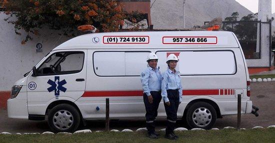 Ofrecen el servicio de paramédicos, garantizando la salud y la seguridad de todos sus clientes.