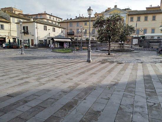 Piazza IV Novembre (Piazza del Comune)