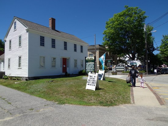 Webb House, home of Rufus Porter Museum. Located at 121 Main St in Bridgton, Maine.