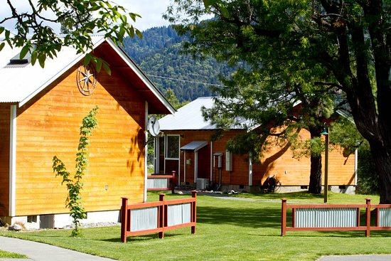 Coho Cottages : Promontory and Summer House exterior