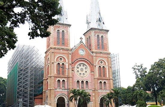 Saigon Notre Dame Cathedral Photo