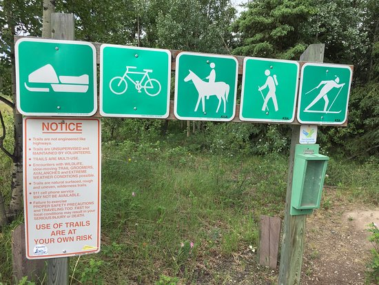 Braeburn, Canada: other signs at The Dawson Overland Trail