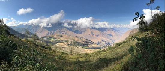 Leymebamba, Peru: This is a view from nearby the property