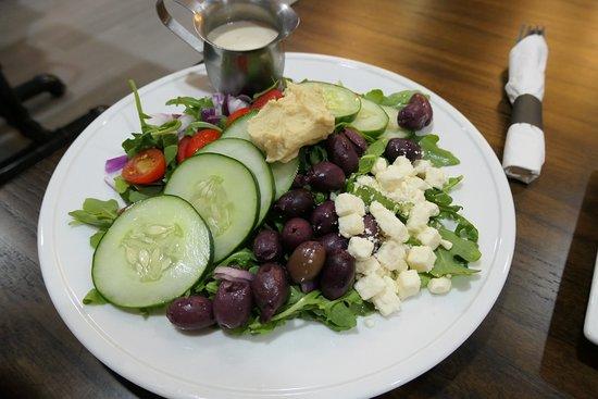 Aloft New York LaGuardia Airport: Salad