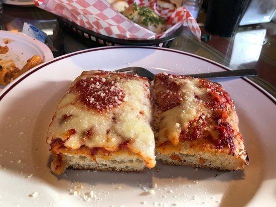J.R. Pizza Bella Restaurant照片