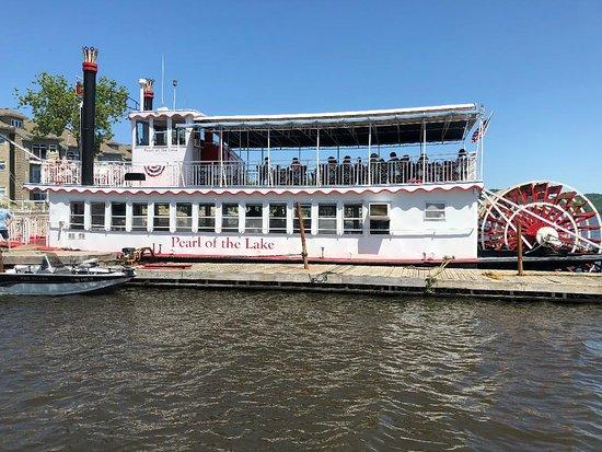 Pearl of the Lake Paddleboat: Pearl of the Lake Boat