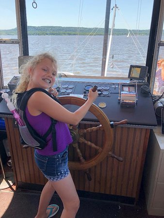Pearl of the Lake Paddleboat: My daughter captain was kind and let her hold the wheel