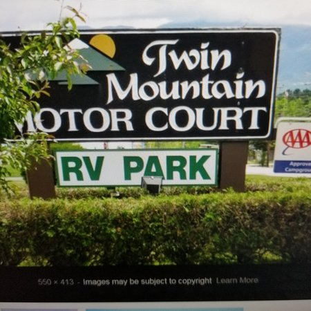 Twin Mountain Motor Court & RV Park: RV Park Entrance