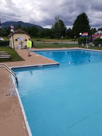 Twin Mountain Motor Court & RV Park: Huge Pool