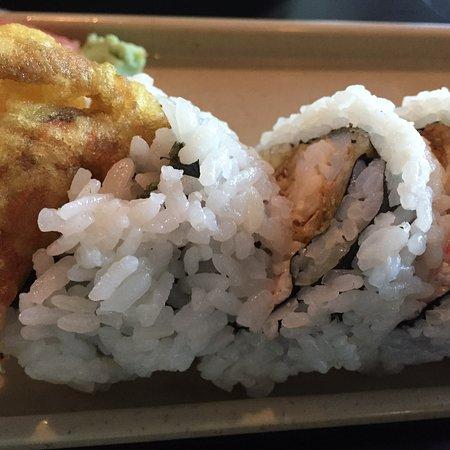 Albemarle, Carolina del Norte: Spider roll (sushi with crab, avocado, fried soft shell crab) so good