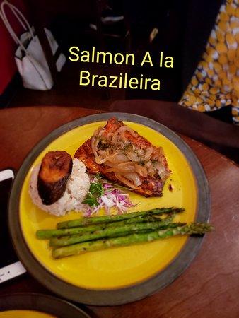 Highwood, IL: Salmon A la Brazieira