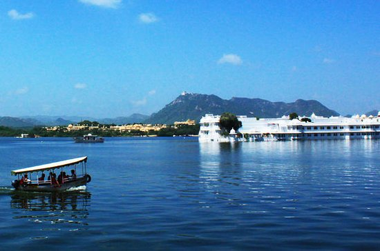 Experience Sunset Lake Pichola Boat...