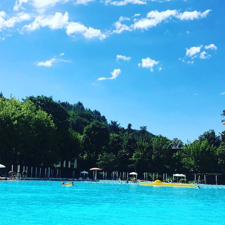 Acqui terme al la piscina termale presso le antiche terme foto di piscine di acqui terme - Foto di piscine ...