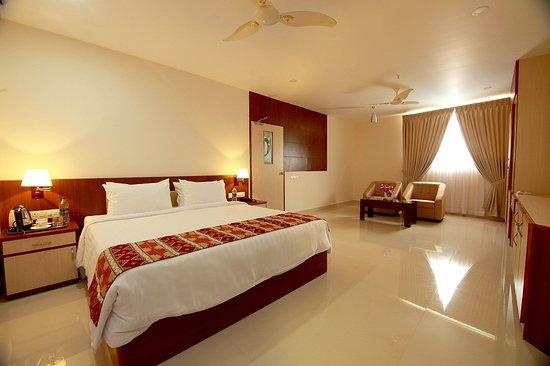 Vazhappilly Residency: super deluxe room