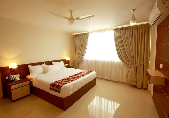 Vazhappilly Residency: deluxe room