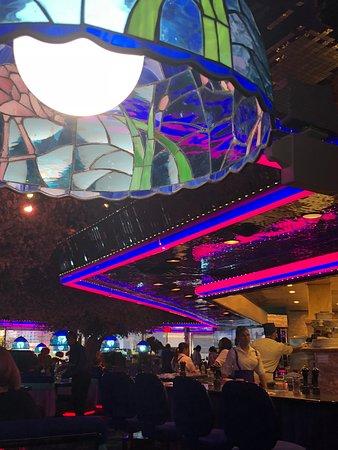 The Peppermill Restaurant & Fireside Lounge: bright lights