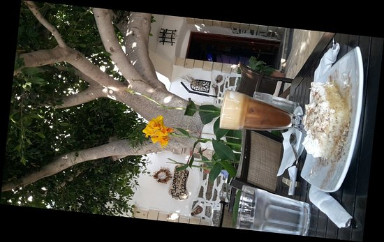 Fourni, Greece: 20180706_182211_large.jpg