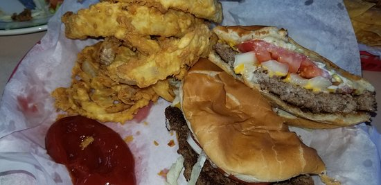 Fairfield, TX: Cheeseburger and onion rings. Handmade patty with toasted bun. Fresh made onion rings (not froze