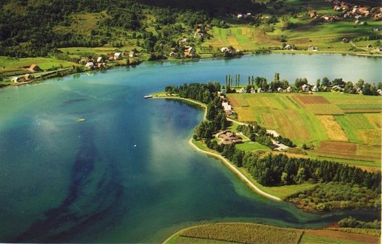 Ogulin, Croatia: Panorama view of Sabljaci Lake.