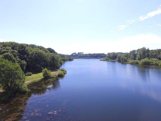 Groomsport, UK: Down the reservoir