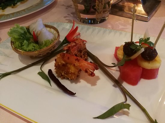 Sala Rim Naam: prawn with sweet and spicy sauce