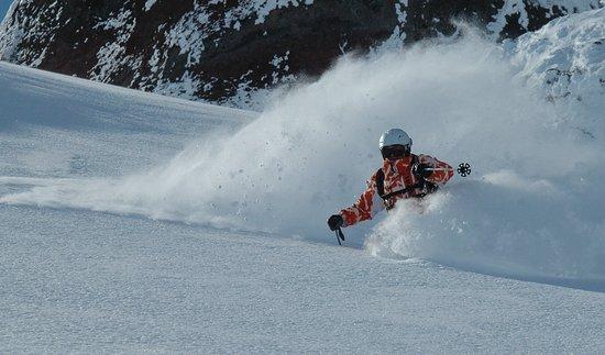 Skischule & Skiverleih Total