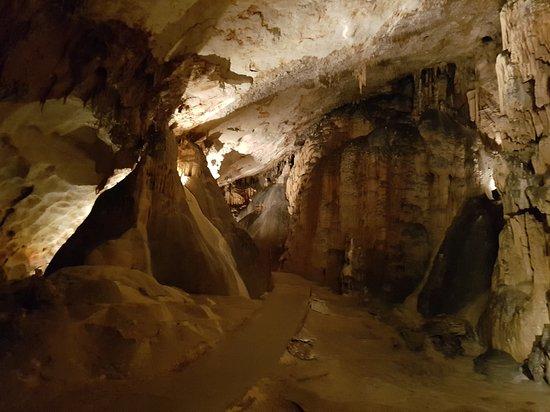 Grotte Saint-Marcel: Vers l'entrée