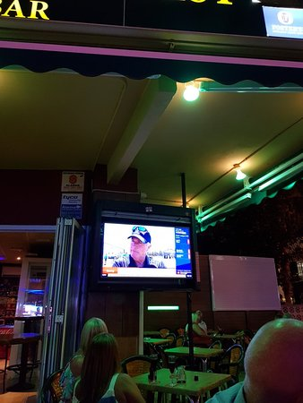 Andy's BAR = Andy's Simply the Best en Benidorm: Great bar.