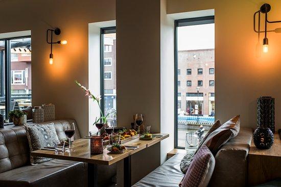 Houten, The Netherlands: Loungebanken met uitzicht