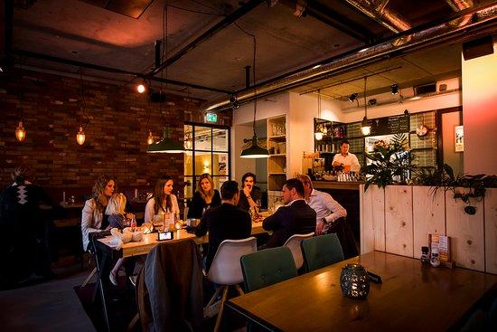Houten, The Netherlands: Sfeervol dineren en borrelen