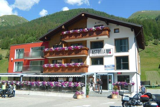 Ulrichen, Suíça: Grosszügige Parkmöglichkeiten vorhanden