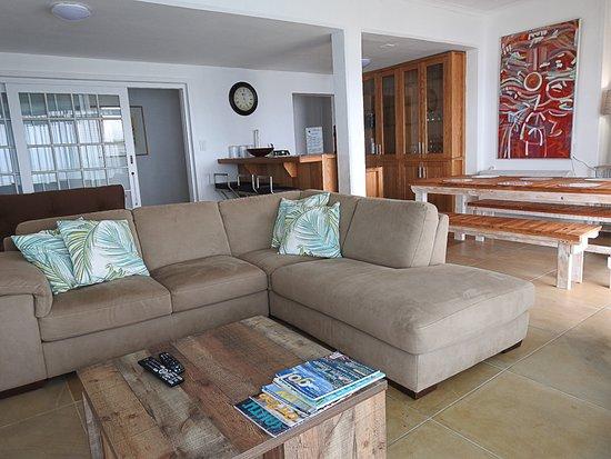 Wilderness Beach Resort & Apartments: Sitting Room