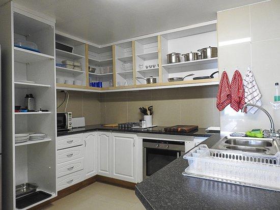 Wilderness Beach Resort & Apartments: Kitchen